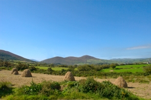 Haystacks & muontains